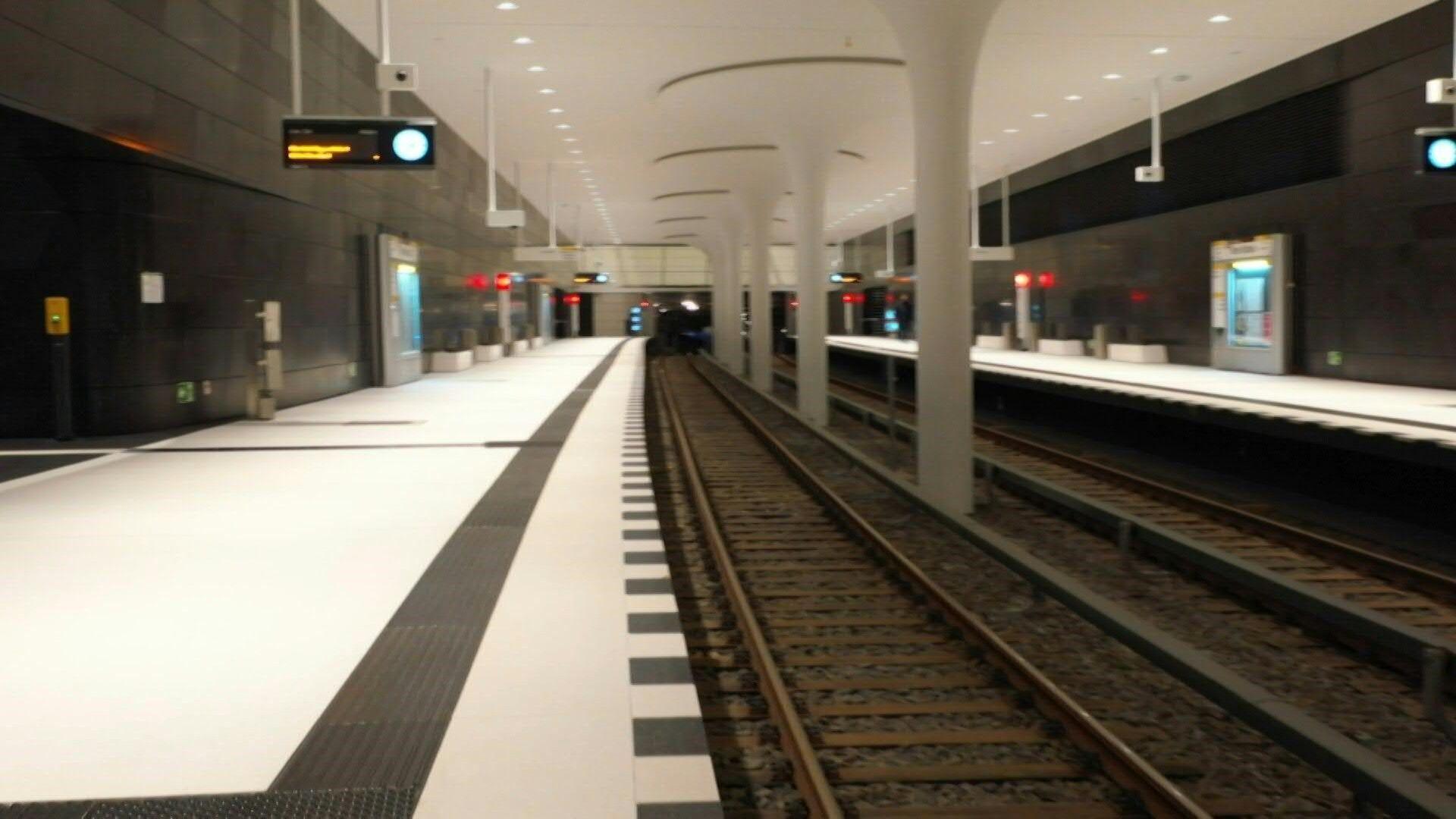 Neue U-Bahn durch Berlins historisches Zentrum eröffnet