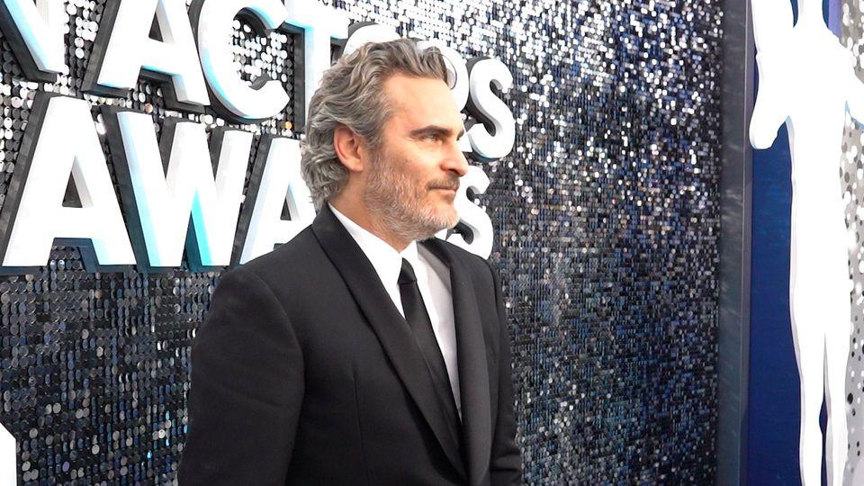 Statt Aftershow-Party: Joaquin Phoenix nimmt an