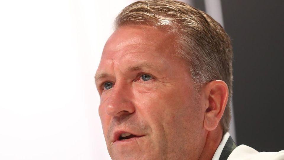Newsflash: Köpke hinterfragt Wechsel von Nübel zum FC Bayern