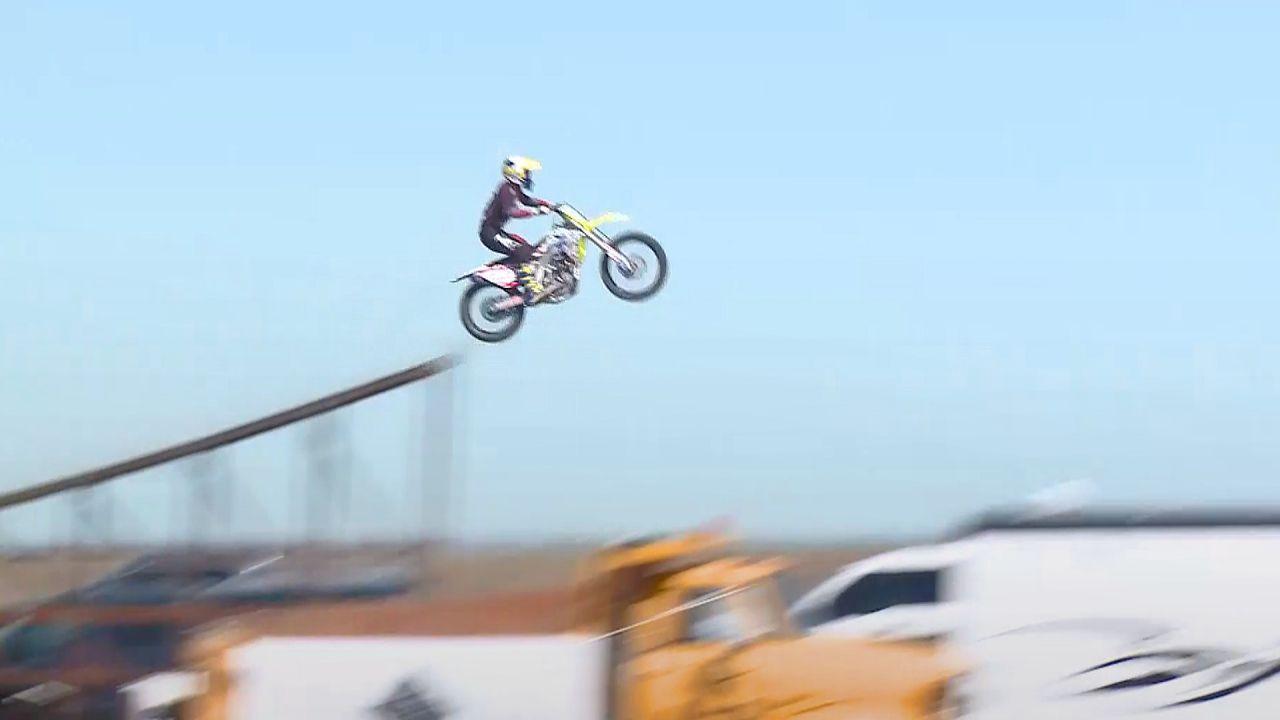 Bei Weltrekordversuch: Motorrad-Stuntman Alex Harvill verunglückt tödlich