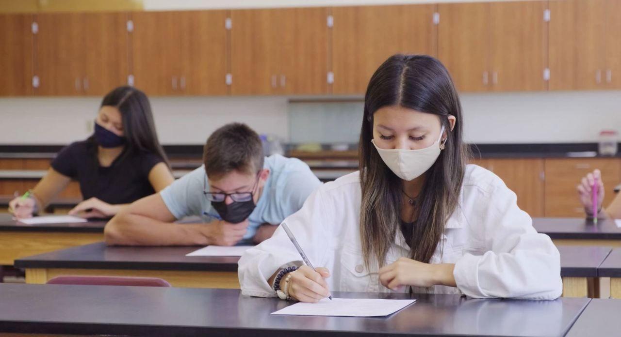 Bayern: Nach Sommerferien wieder Maskenpflicht im Klassenzimmer